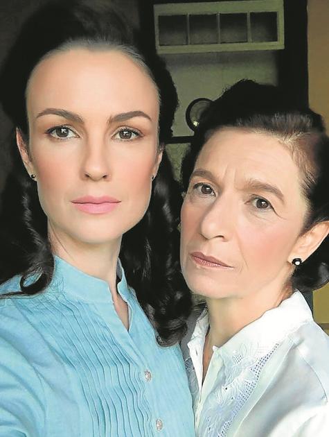 Carolina Kasting e Tuna Dwek nos bastidores de 'Escolhas' (Foto: Divulgação)