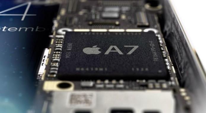 iPhone 5S tem o processador Apple A7 de 64 bits como o seu grande destaque (Foto: Divulgação/Apple)