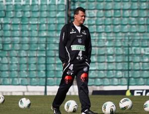 Abel Ribeiro assume função de técnico interino do Figueirense (Foto: Luiz Henrique / Divulgação Figueirense FC)