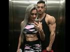 Juju Salimeni e Felipe Franco tiram 'selfie' e exibem veias saltadas
