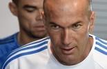 Zidane diz que ainda falta muito para ser um técnico importante (GERARD JULIEN / AFP)