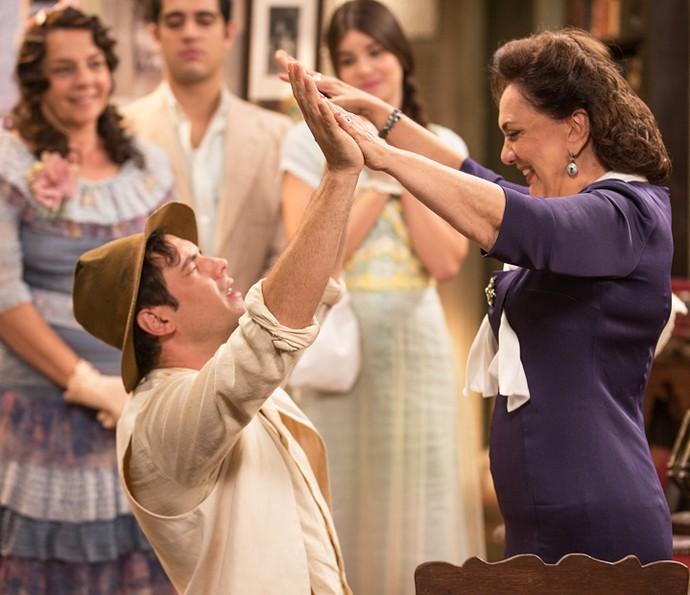Cena em que Candinho, enfim, conhece a mãe foi a que mais emocionou Sergio Guizé (Foto: Fabiano Battaglin/Gshow)