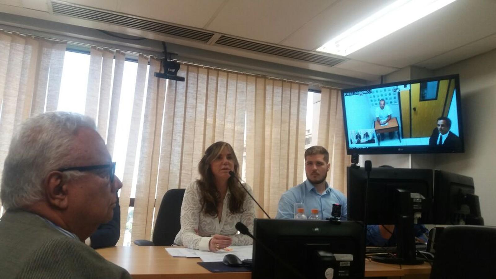 Cabral diz em videoconferência que usava helicópteros para viagens por 'segurança'
