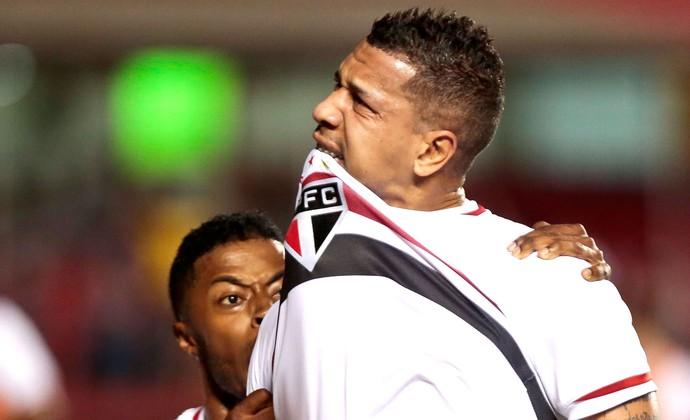Antonio Carlos comemora gol do São Paulo contra o Emelec (Foto: Ale Cabral / Agência estado)