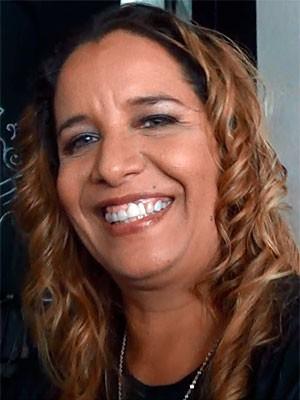 Cantora Sarajane estourou com o sucesso 'A Roda', logo após Luiz Caldas (Foto: Danutta Rodrigues/G1)