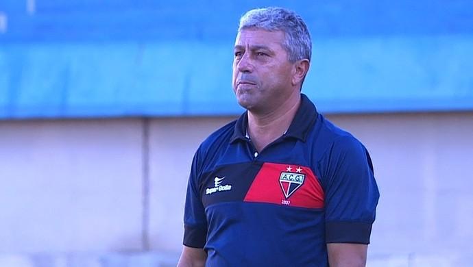 Gilberto Pereira, técnico do Atlético-GO (Foto: Reprodução / PFC)
