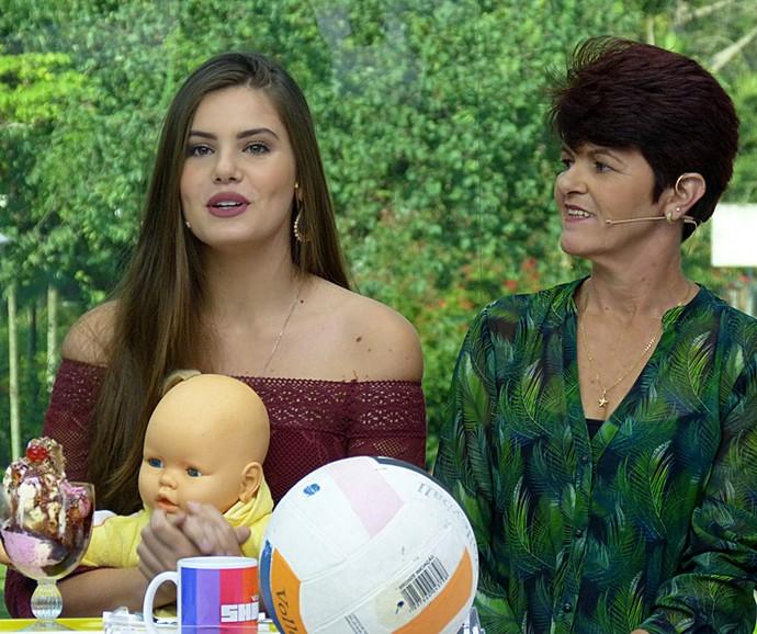 Camila Queiroz lembrou do início da carreira de modelo (Foto: Cristina Cople / Gshow)