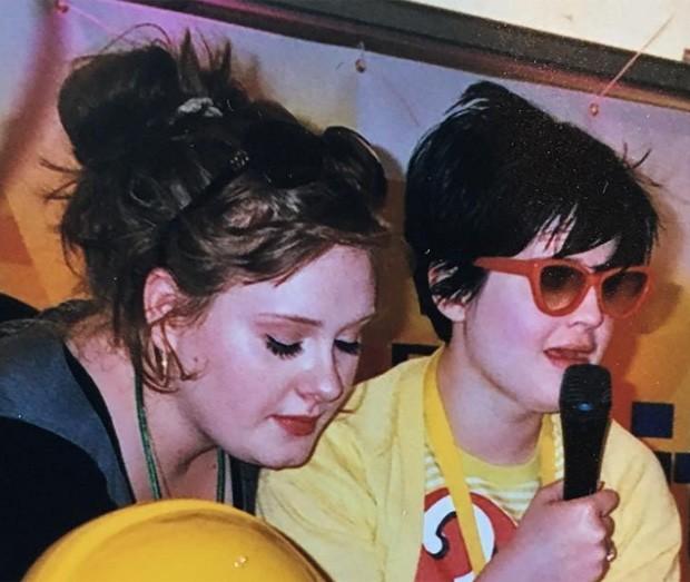 Adele e Kelly Osbourne em 2007 (Foto: Reprodução/Instagram)