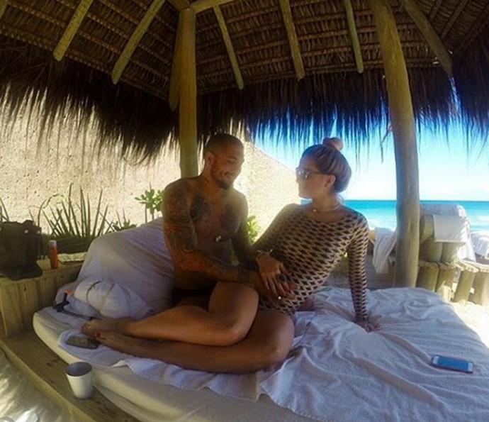 O casal de ex-BBB será pai de um menino (Foto: Arquivo pessoal)