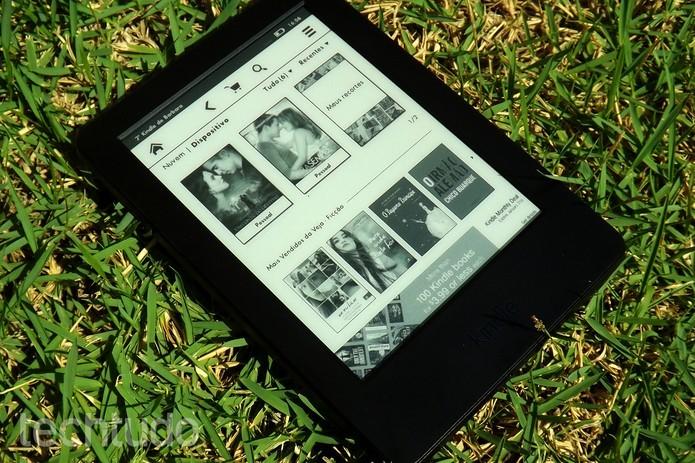 Os dois modelos Kindle oferecem tela de 6 polegadas (Foto: Barbara Mannara/TechTudo)