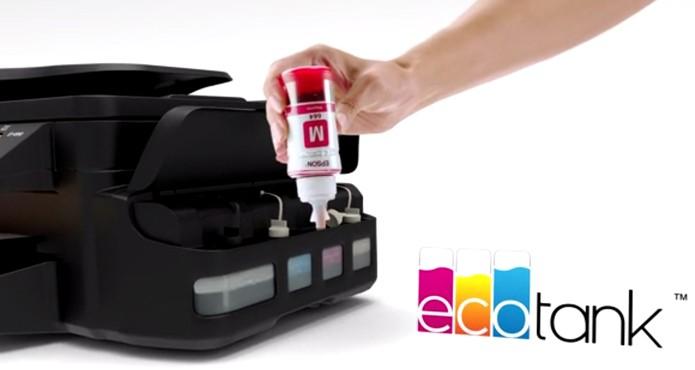 Depois que a tinta acaba, usuário pode reabastecer a impressora (Foto: Divulgação/Epson)