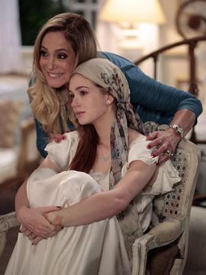 Pilar apoia Nicole (Foto: Amor à Vida/TV Globo)