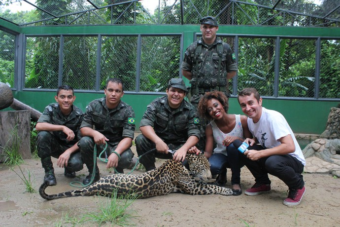 Jaque e Moacyr se encantam pelo Jiquitaia (Foto: Katiúscia Monteiro/ Rede Amazônica)