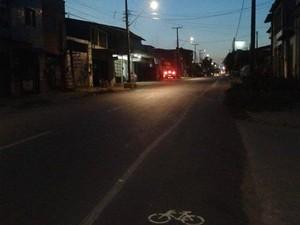 Ciclofaixa pintada por movimento no Bairro Bom Jardim, em Fortaleza (Foto: Massa Crítica/Facebook)