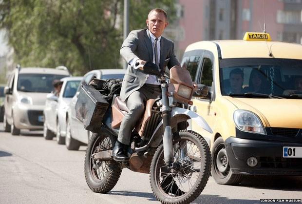 Ator Daniel Craig  durante o filme '007 - Operação Skyfall' (Foto: London Film Museum)