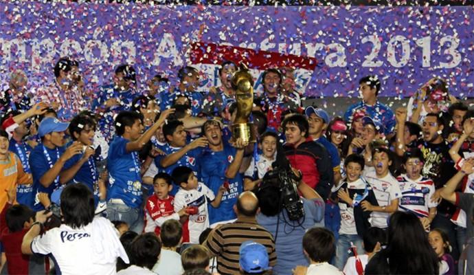 Nacional foi campeão paraguaio em 2013 (Foto: Divulgação/ Conmebol)