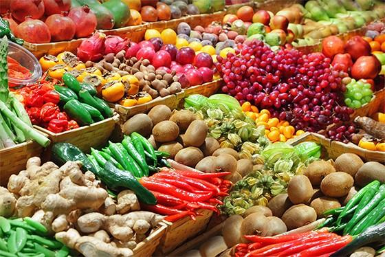 Banca de frutas e legumes (Foto: shutterstock)