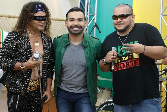 Wanderley Andrade canta com a Johnny Jack Mesclado (Foto: Katiúscia Monteiro/ Rede Amazônica)