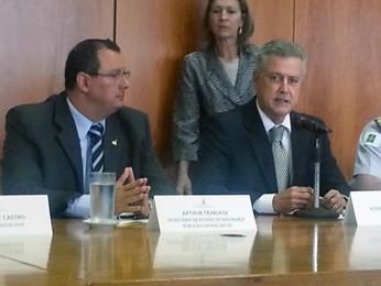 O secretário de Segurança, Arthur Trindade, o governador Rodrigo Rollemberg e o comandante-geral da PM, coronel Florisvaldo Ferreira César (Foto: Raquel Morais/G1)