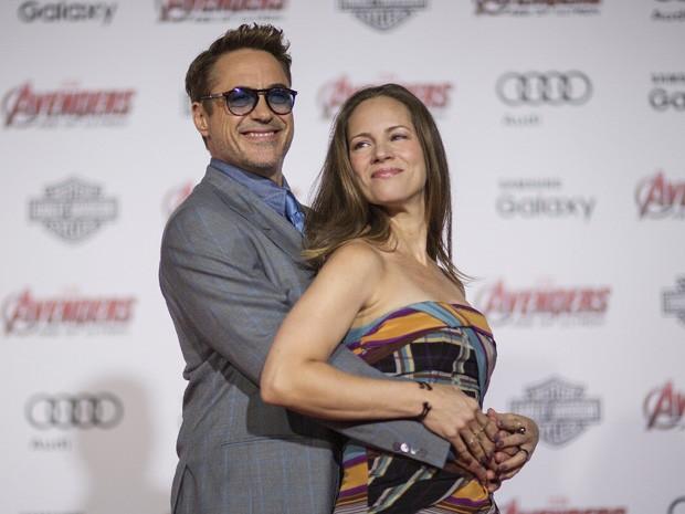 Robert Downey Jr. e sua mulher Susan na pré-estreia de 'Vingadores: Era de Ultron' no Teatro Dolby, em Hollywood, nesta segunda (13) (Foto: REUTERS/Mario Anzuoni)