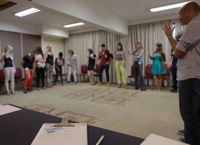 Quem quer entrar na casa do BBB levanta a mão! \o/ (Foto: Gshow)