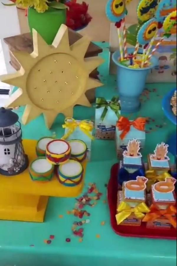 Os docinhos foram decorados de acordo com a temática da festa (Foto: Instagram)