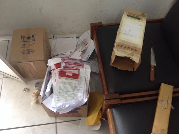 Ladrões mexeram em caixas no cartório (Foto: Ascom Adeppe)