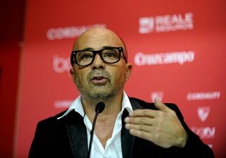 Jorge Sampaoli apresentação técnico Sevilla (Foto: AFP)