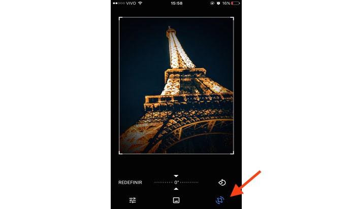 Esse ícone, como mostra a seta, é para recortar uma imagem ou inverte-la de posição (Foto: Gabriella Fiszman/ TechTudo)