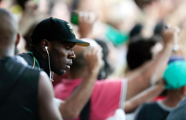 EGO - Usain Bolt assiste final de futebol com Brasil