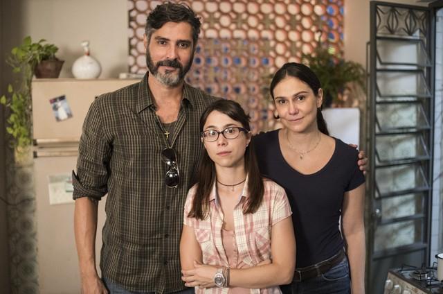 Luciano Pontes, Daphne Bozaski e Aline Fanju (Foto: Victor Pollak/TV Globo)