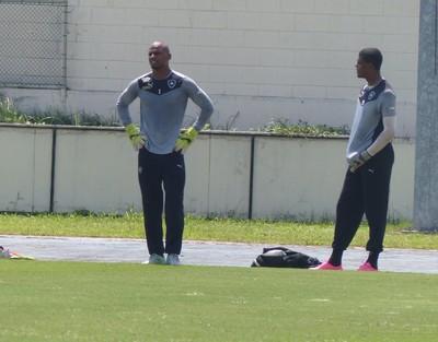Jefferson se reapresentou ao Botafogo nesta quinta (Foto: Jessica Mello)
