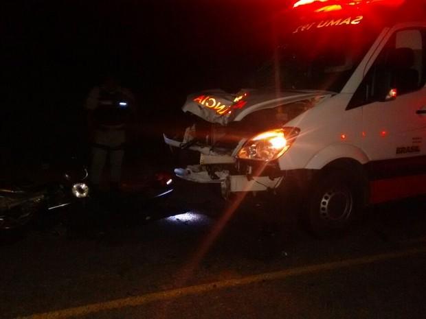 Agricultor morre após moto colidir com ambulância do Samu em Tupanatinga, PE (Foto: Divulgação/ Polícia Civil)