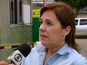 Maria Tereza Barce diz que pessoas picadas precisam procurar médico imediatamente (Foto: Reprodução/TV Sudoeste)