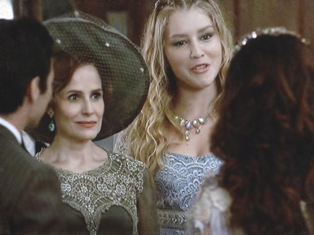Lado a Lado – Margarida recusa lugar de honra no noivado de Fernando e Catarina