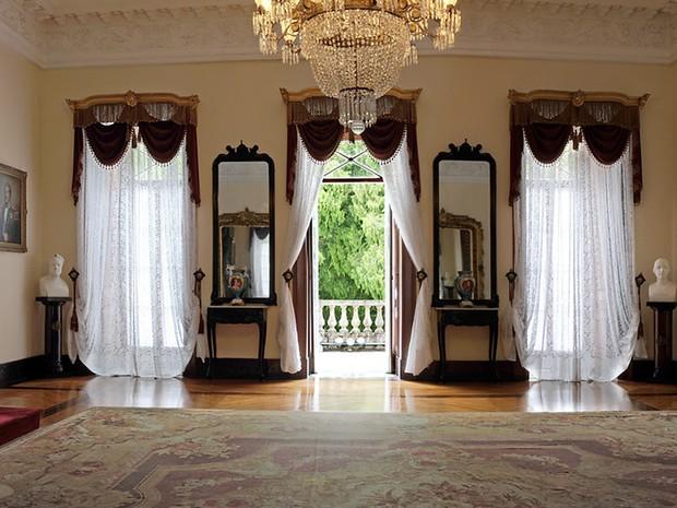Ambiente onde o trono é instalado também receberá avaliação de microorganismos. (Foto: Divulgação/Museu Imperial)