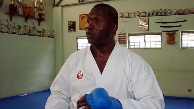 Wayne Otto, campeão mundial de caratê, em São José do Rio Preto (Foto: Marcos Lavezo/Globoesporte.com)