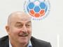 Rússia aposta em ex-goleiro para comandar time na Copa em casa