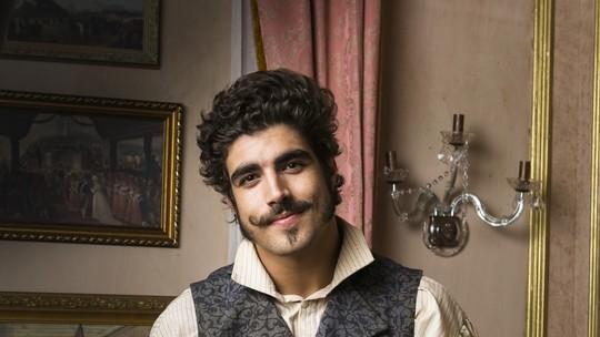 Caio Castro descarta semelhanças com personagem de 'Novo Mundo': 'Não trago referências da minha vida'