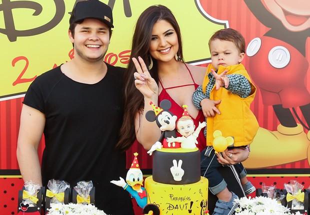 Filho de Matheus comemora 2 anos com festão e encanta convidados