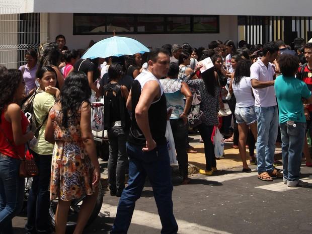 324.125 mil inscritos fazem o exame no Maranhão ´neste sábado e domingo (Foto: Flora Dolores/O Estado)