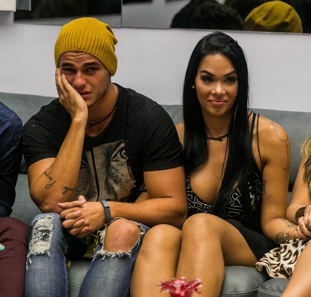 Antônio e Mayara no BBB 17 (Foto: Globo/Paulo Belote)