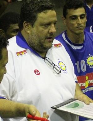Paulo Evaristo, treinador do Crensa (Foto: Wenner Tito/GloboEsporte.com)