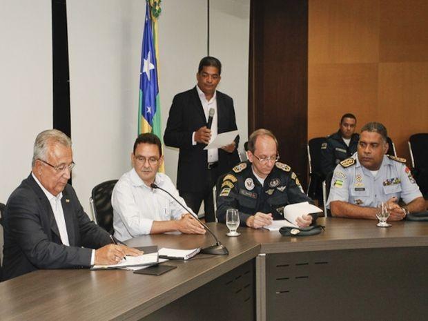 Governador de Sergipe Jackson Barreto autorizou a realização do concurso público em solenidade em Aracaju (Foto: Marcos Rodrigues/ASN)