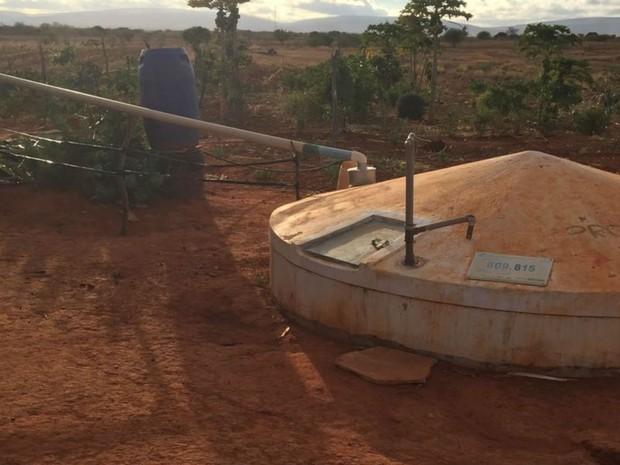 Roça de maconha possuía sistema de irrigação, com poços artesianos e reservatório de água (Foto: Divulgação/SSP-BA)