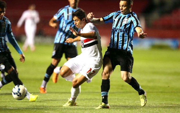 Osvaldo e Pará São Paulo e Grêmio (Foto: Marcos Ribolli)