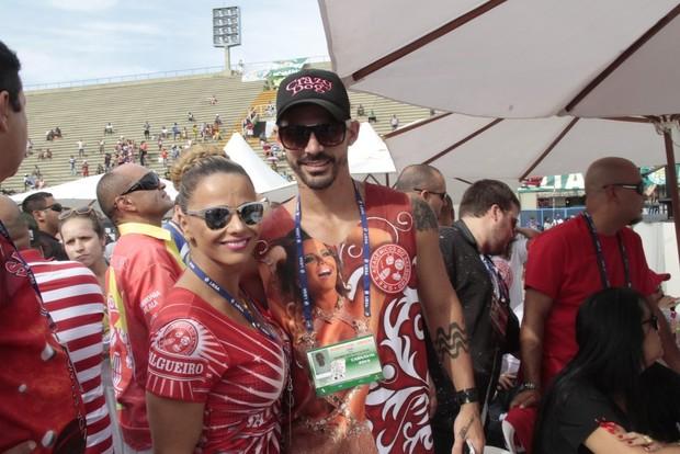 Viviane Araújo e Radamés na apuração dos desfiles do grupo especial do Rio  (Foto  e1e16af7fc
