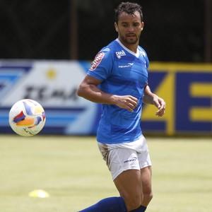 Charles, volante do Cruzeiro (Foto: Washington Alves/Light Press)