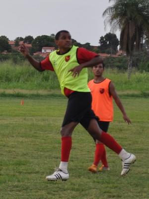 Wildinho conta ganhar confiança para ser titular pelo Fla-PI (Foto: Renan Morais/GLOBOESPORTE.COM)