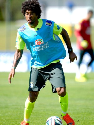 Dante no treino da Seleção Brasileira (Foto: Alexandre Loureiro / VIPCOMM)
